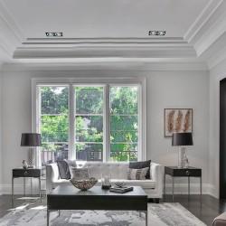 Sala de estar con empotrable helium nregro y aluminio dos luces