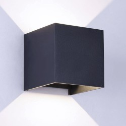 Aplique IP54 Cube led 2x5W 4000K antracita encendido